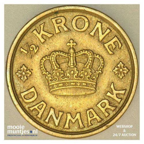 1/2 krone - Denmark 1925 (KM 831.1) (kant B)
